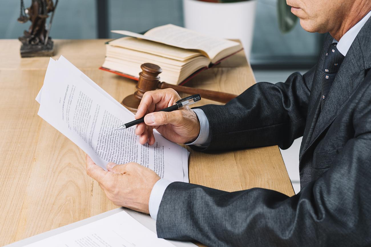 Litigio fiscal y administrativo - abogado fiscal