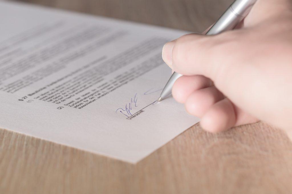 Actas constitutivas de sociedades anónimas, civiles y empresas y para comunidades de propietarios